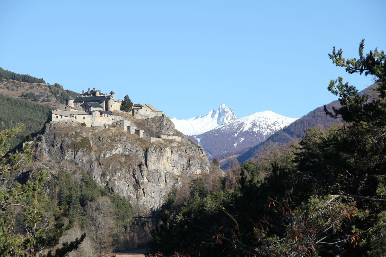 Klettersteig Chateau Queyras : Château ville vieille vacances en queyras hautes alpes