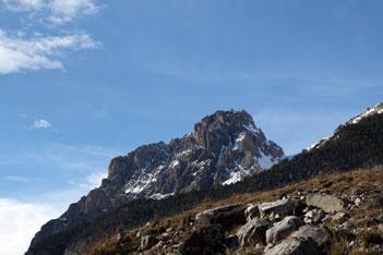 Paese Ceillac visto dalla montagna Assan