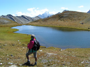 Il lago Chalantiès sotto il colle St Martin a Abriès