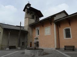 Die Kirche St Sébastien im Dorfzentrum (Ceillac, Queyras)