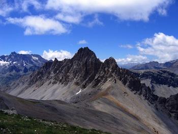 Il col Albert a Ceillac e la cresta del Sasso dell'Essassa.