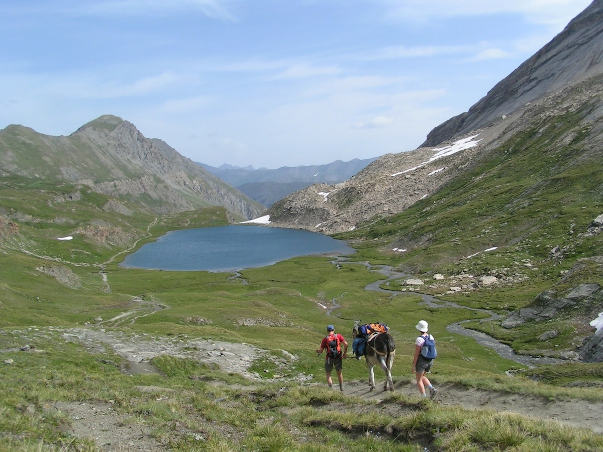 Arrivata con asino e bagaglio al lago Foréant a Ristolas