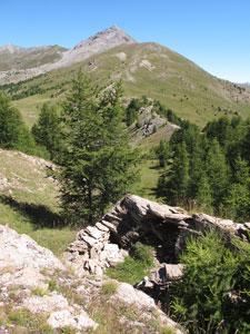Der Pass Crèche am Fusse der Bergspitzen Agrenier in Château-Ville-Vieille (Queyras)