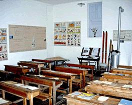 La classe riallestita nel museo della scuola a Brunissard (Arvieux)