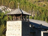Verkürzter Glockenturm der Kirche Saint Romain