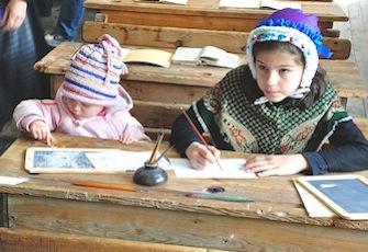 Schule von Arvieux (Queyras - Frankreich) - Zwei Schüler