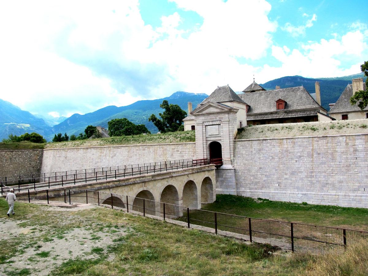 Klettersteig Chateau Queyras : Queyras panorama du bassin guil et des villages