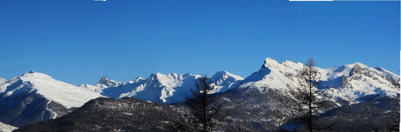 Der Queyras und seine Berge von der oberen Teile von Arvieux gesehen