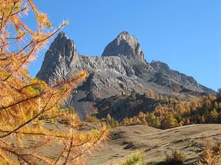 La pointe de la Selle à Ceillac, qui doit son nom à son aspect