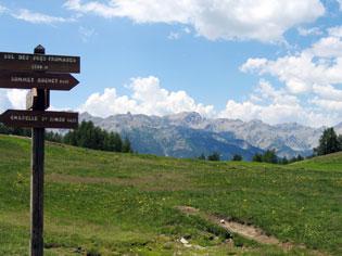 Al col des Prés Fromage (Château-Vile-Vieille), la vista sulle montagne è incomparabile.