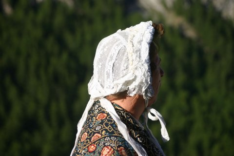 Costume traditionnel du Queyras - Bonnet de dentelle
