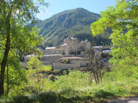 Die Burg Queyras ist ein mitelalterliches Schloss, das das Guilhochtal im Queyras überwachte