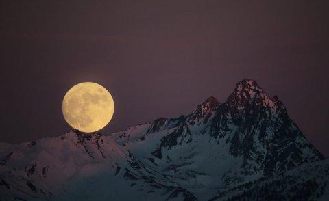 Luna piena sul Queyras (Alte Alpi)