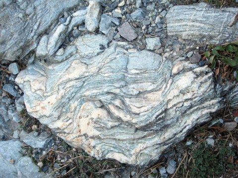 Roche plissée à Furfande (Arvieux - Queyras)