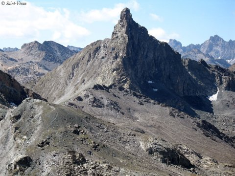 Tête des Toilies, una punta di basalto a Saint-Véran (Queyras)