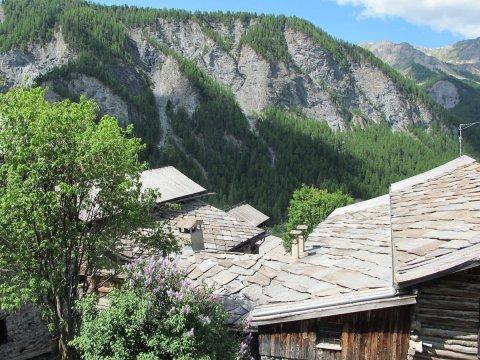 Toits de Saint-Véran (Queyras, Hautes Alpes)