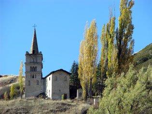 Die Kirche von Abriès im Herbst