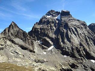 Il Monviso con i sui 3 841 m, regna maestuosamente sulla Francia e sull'Italia