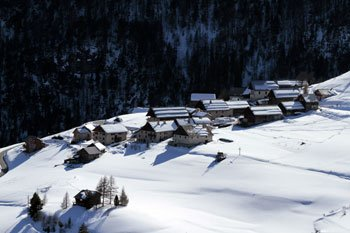 Le hameau de Villargaudin un jour de neige.