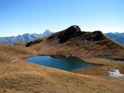 Le lac Malrif, lac de montagne à cheval sur Abriès et Aiguilles