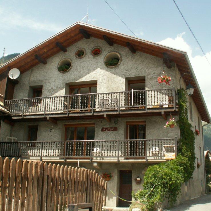 Maison avec appartement 4 personnes à louer à Abriès