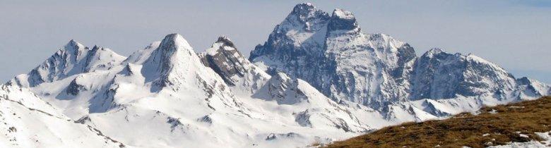 Le Mont Viso (3 841 m) près de Ristolas (Queyras), la plus haute montagne des Alpes du sud.