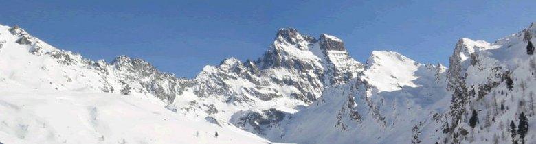 Le majestueux Mont Viso domine de ses 3841 m Ristolas et le Queyras