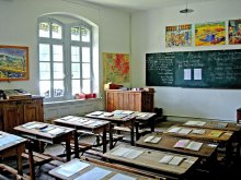 La salle de classe du Musée de l'Ecole à Arvieux (Queyras)