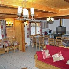 Pièce Principale, RdC, Cuisne/Séjour/Salon avec 3 tables mobiles fonction des besoins