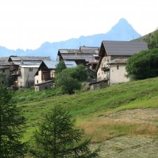 le hameau du raux a saint veran