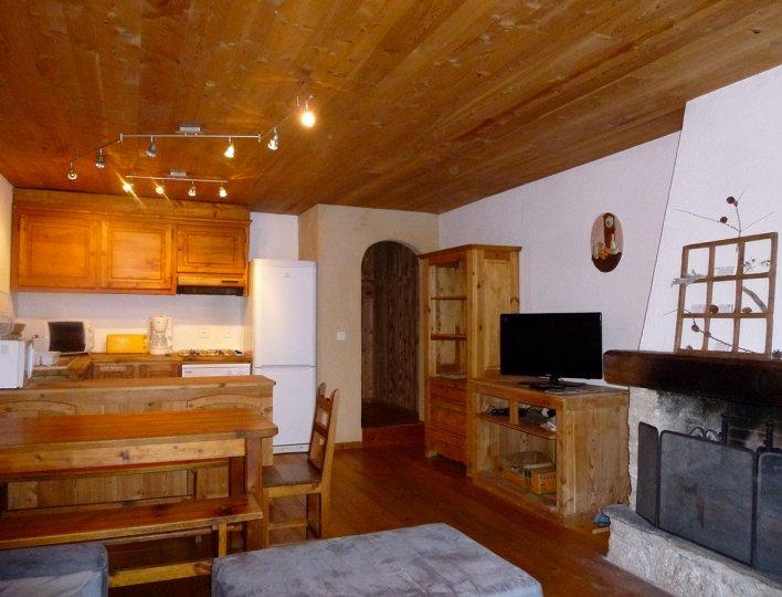 Michelle et Bruno POUDEROUX - Saint-Véran - Le salon et la salle à manger de l'appartement n°59