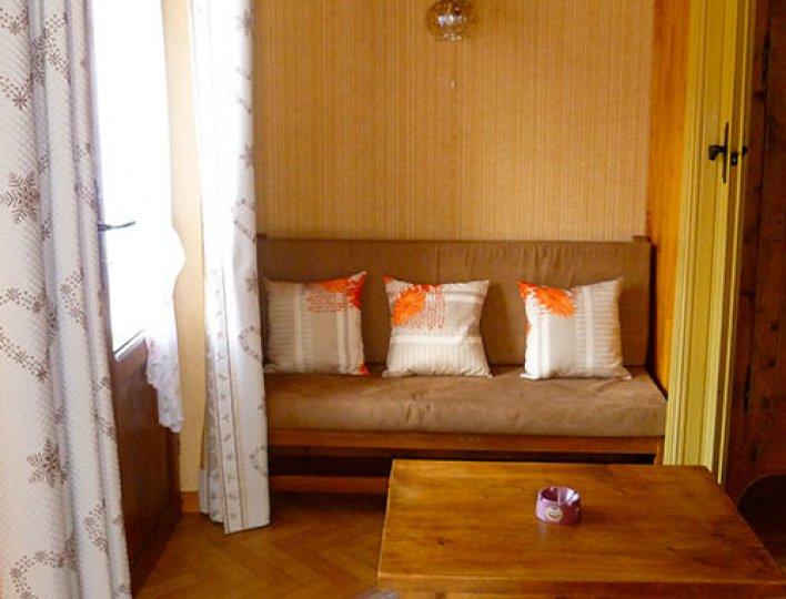 Le petit salon de l'appartement les Narcisses 4 personnes à Saint-Véran