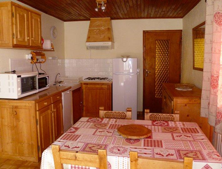 La salle à manger de l'appartement les Narcisses 4 personnes à Saint-Véran