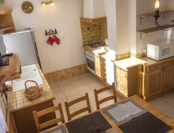 Chalet Lou Peyroc à Ceillac - Appartement 5 personnes 2* cuisine