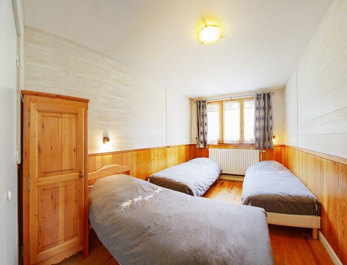 Chambre 3 lits 1 place