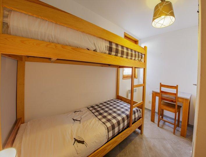 Chambre 2 lits 1 place supperposés