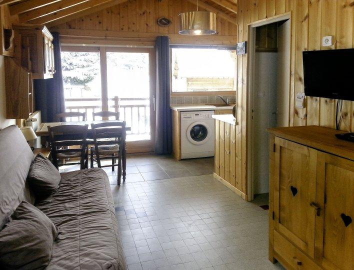 Chalet Les Heuvières - Studio à Ceillac - Grande pièce avec salon et cuisine