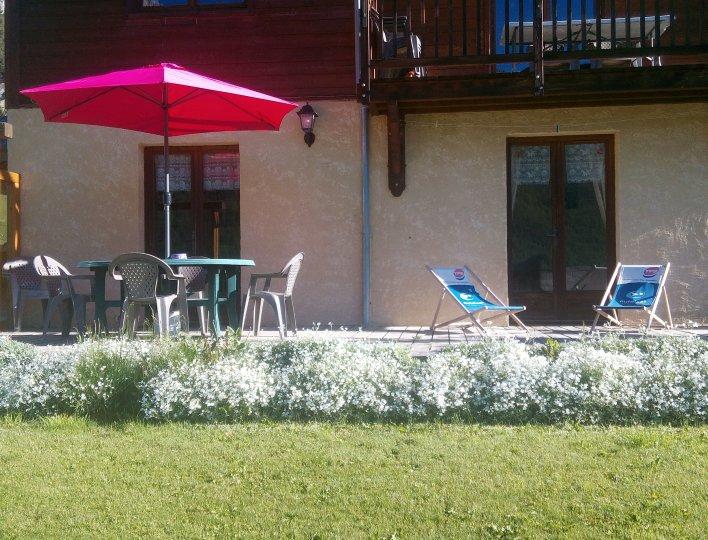 La terrasse avec la vue sur la vallée de Ceillac